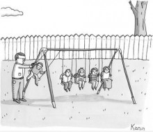 Дети отца-физика на качелях.