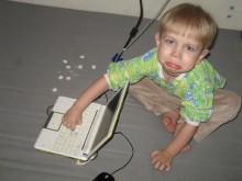 Если ребенок затих, значит он занят чем-то интересным. Некоторые интересные дела могут наносить вред вашему имуществу ;)